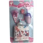 Набор аксессуаров для куклы.