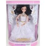 Кукла в свадебном платье.